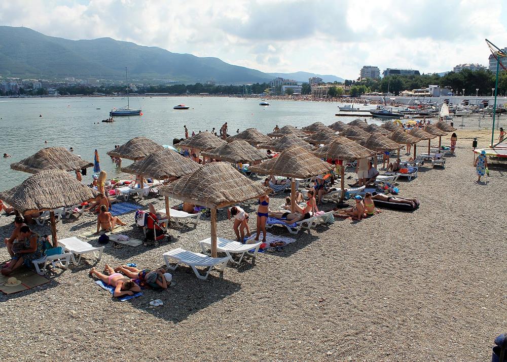 шаблоны фото моря и пляжа в геленджике вариант